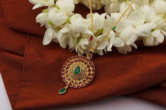 The Use of Gemstones based on the Ascendant Lord (Lagna Lord)